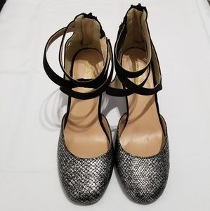Journee Collection  size 8